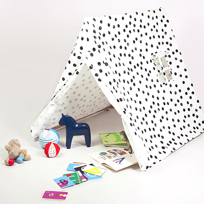 THE KIDS' TENT - BLACK DOTS